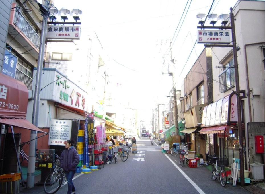 駅前(浅草通りと四ツ目通り ...